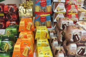 Süßigkeiten aus Italien im Regal